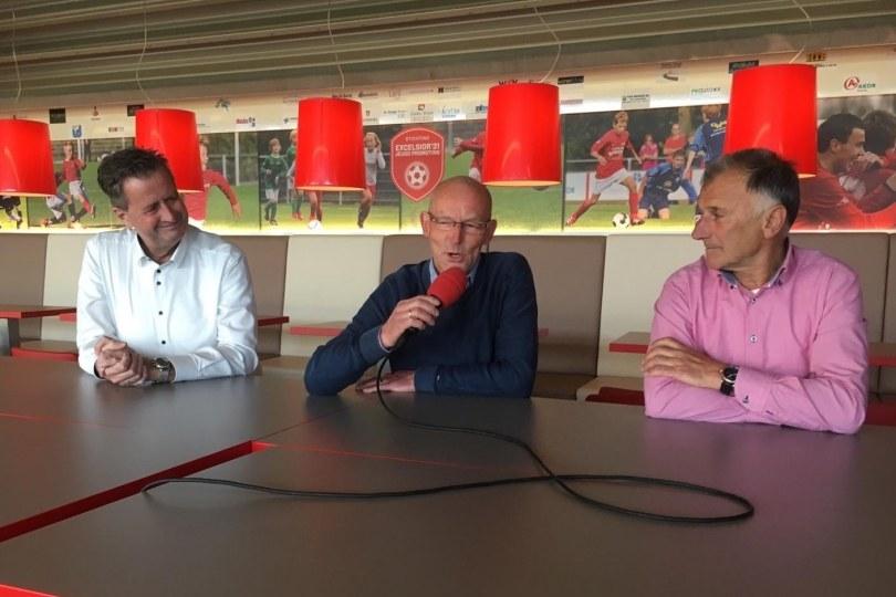 Foto bij Weekjournaal met o.a. Henny Altena, Dick Derksen en Seino Voortman