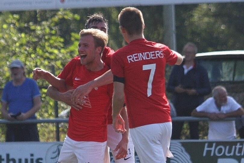 Foto bij Weekjournaal met o.a. 2e elftal, Givan Werkhoven en Jasper Veltkamp