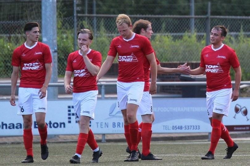 Foto bij Excelsior'31 wint oefenduel van Jong SC Heerenveen (3-0)