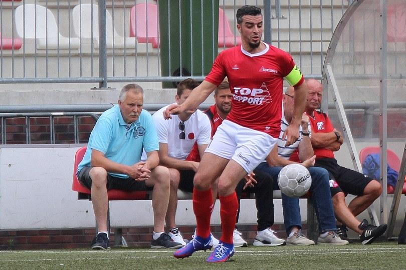 Foto bij Weekjournaal met Zaalvoetbal, Go Ahead Eagles en Hakim Ezafzafi