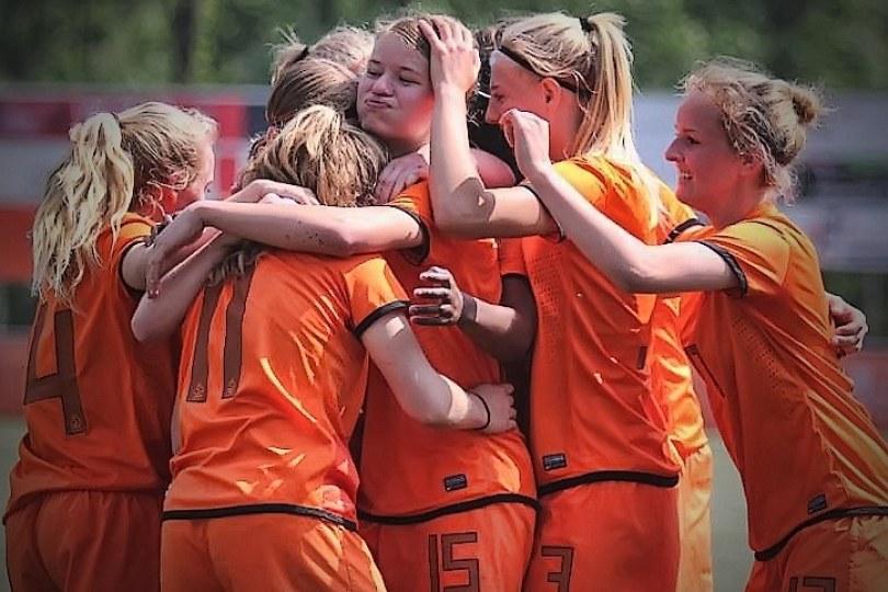 interland op koningsdag oranje vrouwen